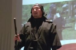 算術から人術、そして忍術へ 現代の忍者が日本型マネジメントの極意を語る