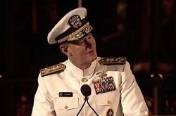 ウィリアム・マクレイヴン海軍大将がテキサス大卒業生に贈った「世界を変える10の教訓」