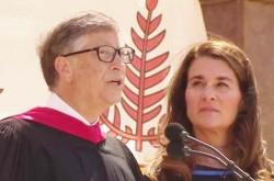 「苦しみから目を背けないで」ビル・ゲイツ夫妻が共感する心の大切さを語る