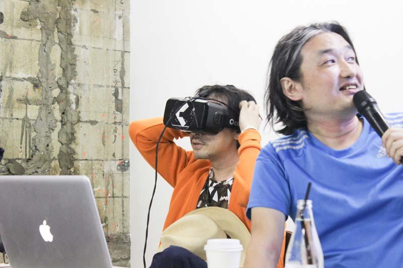 「いつまでも見ちゃうよね」 水中フェチ・菊地成孔氏が全天球水中ニーソ体験を語る