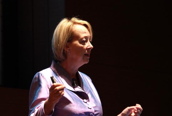 """超長寿社会で必要な""""無形資産""""とは? リンダ・グラットン「大事なのは知識、仲間、いい評判」"""