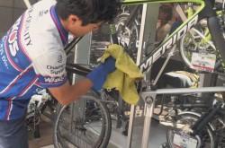 洗車のプロに聞く、ロードバイクの洗車方法Part4 水分の拭き取り方&拭き上げの小ワザ編