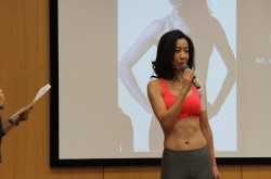 女性らしい美しい腹筋を手に入れるには? インスタで話題、「腹筋女子」のサポート企画